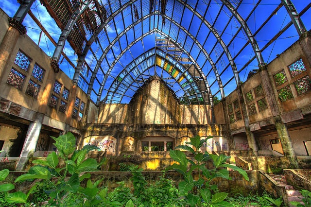 Abandoned amusement park: Taman Festival
