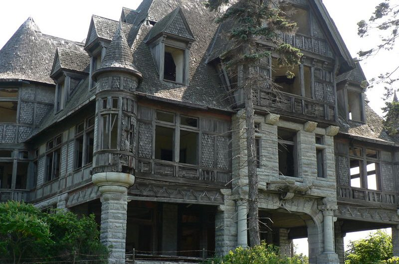 Haunted and abandoned- The Carleton Villa